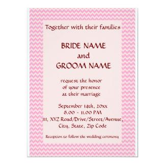 """Casandose - el zigzag rosado, pica el fondo invitación 6.5"""" x 8.75"""""""