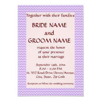 """Casandose - el zigzag violeta, pica el fondo invitación 4.5"""" x 6.25"""""""