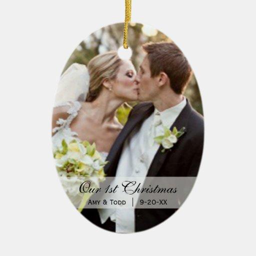 Casar el primer ornamento de la foto del navidad adorno navideño ovalado de cerámica