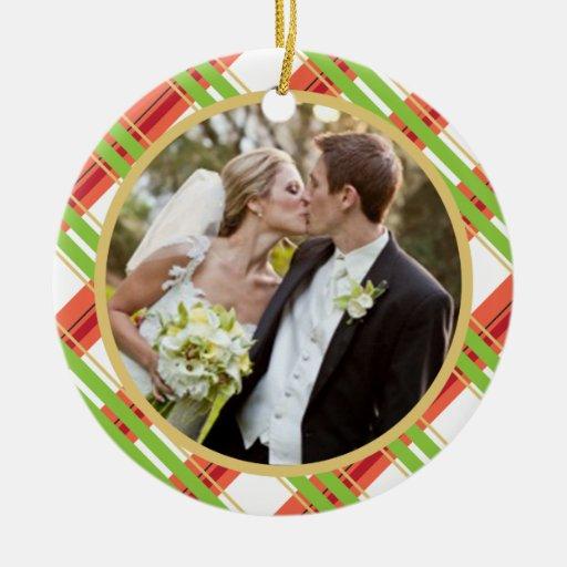 Casar el primer ornamento de la foto del navidad adorno navideño redondo de cerámica