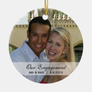 Casar el primer ornamento de la foto del navidad d ornato