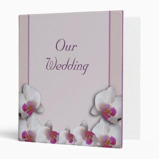 Casar la carpeta rosada de Avery de las orquídeas