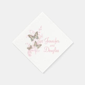 Casar la servilleta de papel del rosa de tres mari