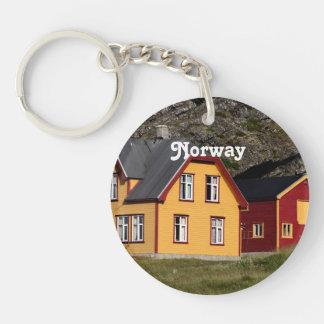 Casas coloridas de Noruega Llavero Redondo Acrílico A Una Cara