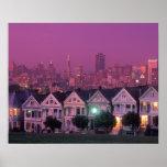 Casas de fila en la puesta del sol en San Francisc Póster