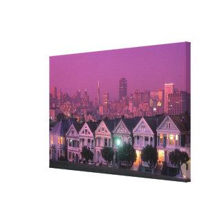 Casas de fila en la puesta del sol en San Impresión En Lona Estirada