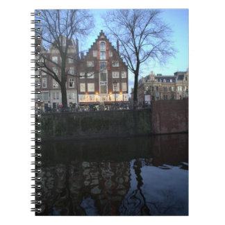 Casas del canal de Amsterdam Libreta Espiral