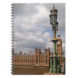 Casas del parlamento y de Big Ben en Londres Libreta Espiral
