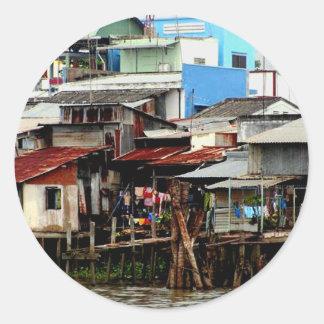Casas del río Mekong Pegatina Redonda
