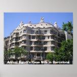 Casas milipulgada de Antonio Gaudi en Barcelona Posters