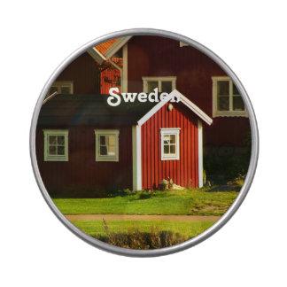 Casas rojas en Suecia Latas De Dulces