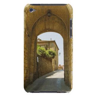 Casas vistas a través de una arcada, Porta Franca, iPod Case-Mate Carcasa