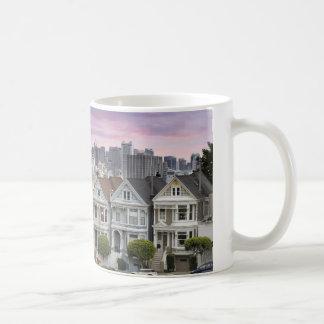 Casas y taza históricas de la ciudad de San Franci