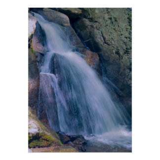 Cascada de la montaña impresiones
