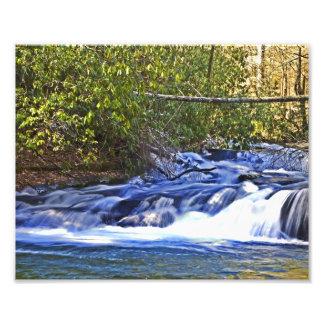Cascada de precipitación del río fotografías
