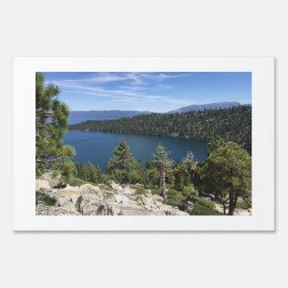 Cascada del lago en el lago Tahoe del sur Carteles