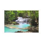 Cascada en bosque tropical impresiones en lona estiradas