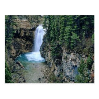 Cascada en cala de las caídas en Lewis y Clark Postal