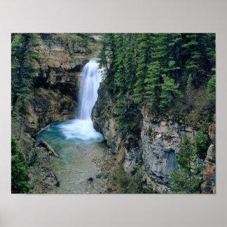 Cascada en cala de las caídas en Lewis y Clark Póster