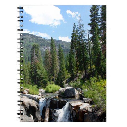 Cascada en el bosque cuadernos