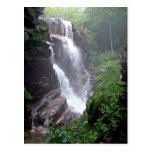 Cascada en el bosque postales