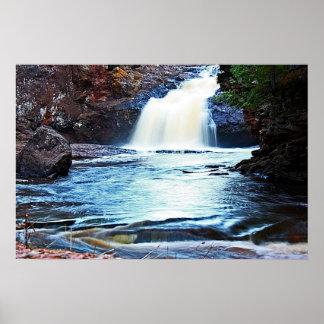 Cascada en el parque de Amnicon Posters