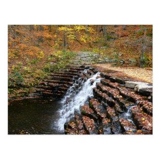 Cascada en la postal del parque de estado de la co
