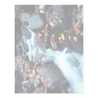 Cascada en otoño, cerca de Capelton, Estrie, Quebe Plantillas De Membrete