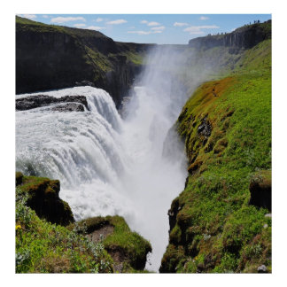 cascada gigantesca poster