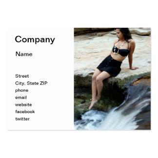 Cascada hispánica de la mujer tarjetas de visita
