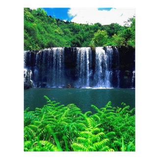 Cascada Kauai aislado Membrete