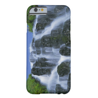 Cascada, Portree, isla de Skye, montañas, Funda Para iPhone 6 Barely There