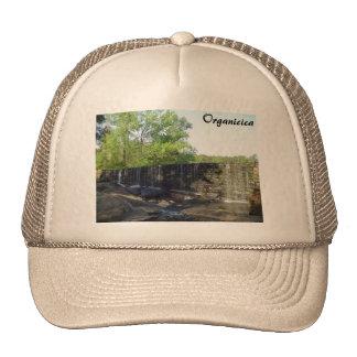 Cascada rocosa en el gorra del molino de Yates