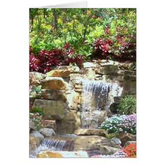 Cascada serena (tarjeta de felicitación en blanco)