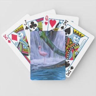 Cascada tropical, flamenco rosado, naipes baraja de cartas