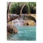 Cascada y laguna, caídas de Khoung Si, Laos del Postales