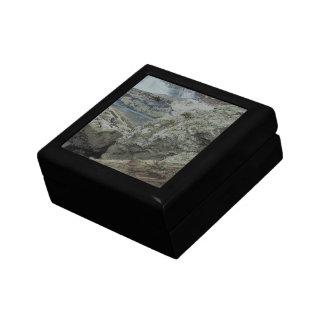 Cascada y rocas cajas de joyas