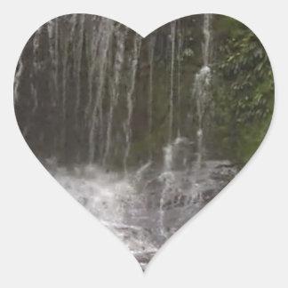 Cascadas del oasis en Tasmania al sur de Australia Pegatina En Forma De Corazón