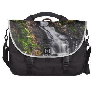 Cascadas sedosas bolsas para portatil