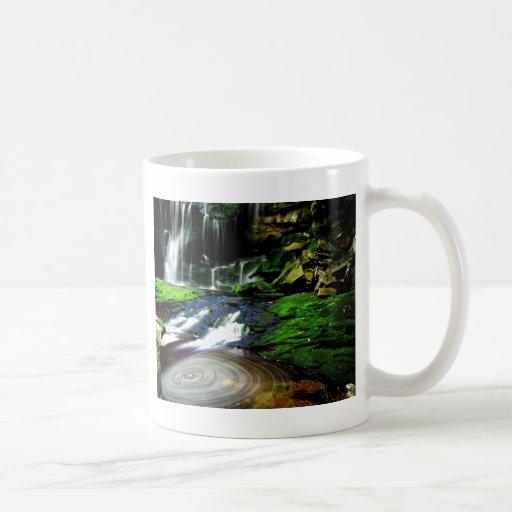 Cascadas tranquilas los E.E.U.U. de Elakala del ag Tazas