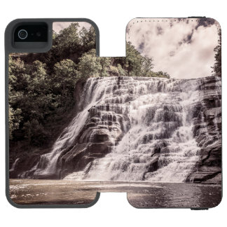 Cascading falls iPhone SE/5/5s wallet case
