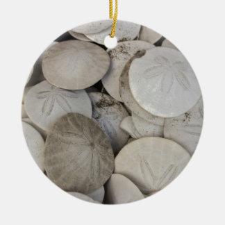 Cáscara del mar de los dólares de arena adorno redondo de cerámica