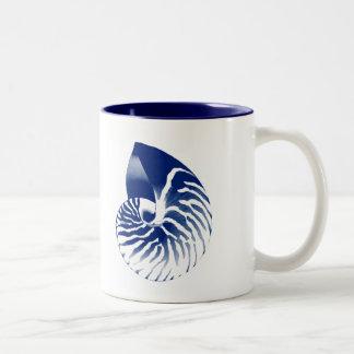 Cáscara del nautilus - azules marinos y blanco taza dos tonos