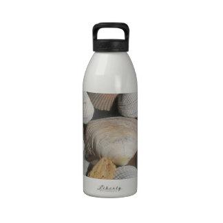 Cáscaras del mar, estilo de la persona que practic botellas de beber