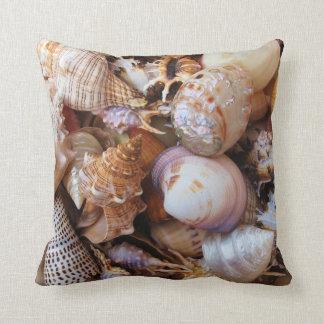 Cáscaras del mar Mediterráneo Cojín Decorativo