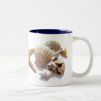 Cáscaras del mar taza de café