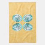 Cáscaras diseño, turquesa y amarillo del mar toalla de cocina
