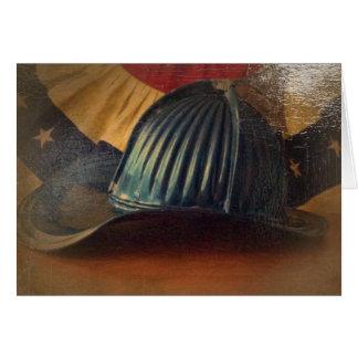 Casco antiguo del fuego tarjeta de felicitación