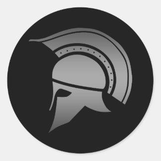 Casco espartano del griego clásico pegatina redonda