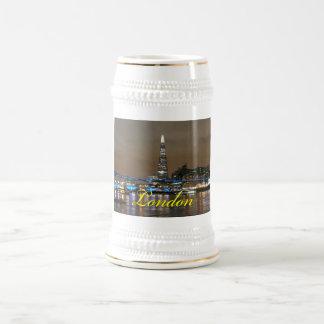 Casco estupendo Londres Jarra De Cerveza